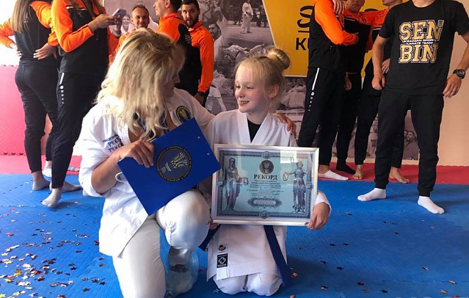 Ukrainian schoolgirl set national power record